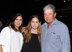 Lorena, Larissa y Guillermo