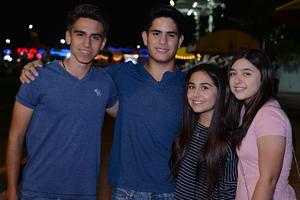 Rodrigo, Jorge, Ángela y Mady