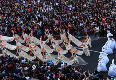 La Ciudad de México dio inicio a las celebraciones del Día de Muertos con un Magno Desfile de color, tradición y música.