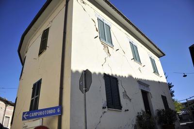 El sismo de 6.5 grados causó diversos daños.