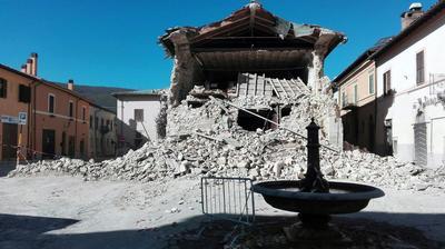 En la zona ha estado temblando desde el 24 de agosto, cuando un sismo de 5.9 grados Richter causó 297 muertos.
