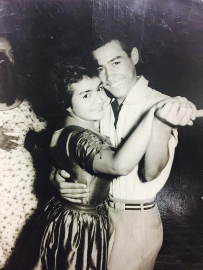 Maria De Jesus Oviedo con su esposo Juan Vicente Méndez Ibarra en el año 1958