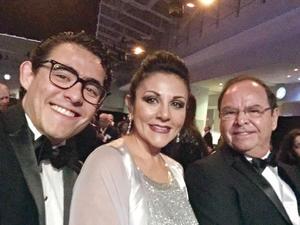 30102016 Lic. Roberto Bernal Lee, Ing. Alma Lee de Bernal y Dr. Roberto Bernal Gómez.