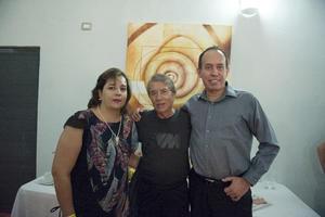 30102016 CONTENTOS.  Patricia del Río, Napoleón y Eduardo Ruiz.