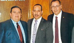 30102016 Jesús G. Sotomayor Garza Hernández, Carlos Gabriel  Olvera Corral y Miguel Negrete García.