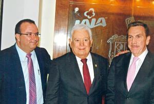 30102016 Jesús A. Mendoza Aguirre, Jesús G. Sotomayor Garza y Javier Laynez Potisek.