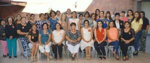 30102016 Despedida de soltera de Chayito Acosta Ríos organizada por su suegra, Lupita Banda de Herrera.