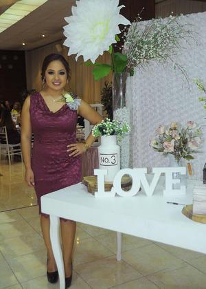 31102016 DICE ADIóS A LA SOLTERíA.  Adela Josselyn Berna Orona se casará el próximo 3 de diciembre con Jesús Benjamín Aguilera Rayos.
