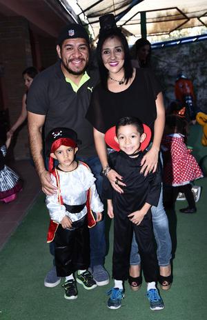 01112016 Carlos, Claudia, Maty y Santi.