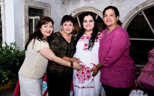 01112016 FIESTA DE CANASTILLA.  Mónica García Estrada con Agueda Ibarra, Juanita Estrada y Marcela Mora.
