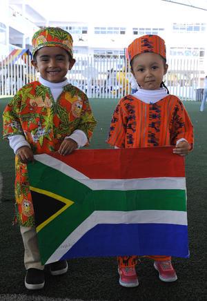 02112016 EVENTO ESCOLAR.  José Javier y Natalia.