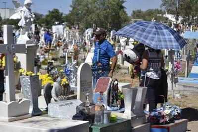 Como cada año el cementerio se mantuvo abierto hasta que salió el último visitante, lo cual fue alrededor de las 20:00 horas.