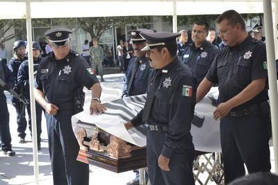 Agente del Ministerio Público de Antisecuestros, perdió la vida en el cumplimiento de su deber, en enfrentamiento con secuestradores sobre la carretera federal Cuencamé-Juan Aldama, la tarde del miércoles.