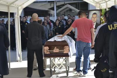 Enrique Soria Aro fue despedido en compañía de sus seres queridos y compañeros de trabajo.