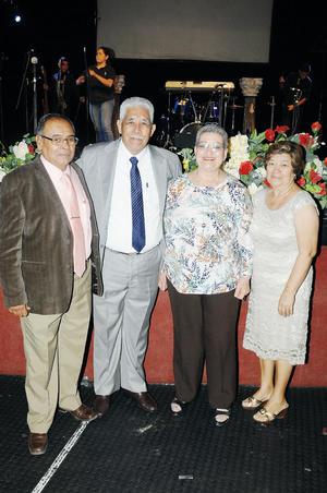 06112016 Pastor Pedro Manuel Vargas Landeros, Pastora Silvia Vázquez González, Pastor invitado Francisco Núñez y su esposa Rosalba Carrasco. - AYD Fotografía