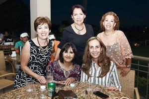 06112016 EN EL CLUB.  Lupita, Martha, Joss, Mayela y Carmen.