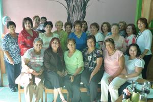 07112016 UN AñO MáS DE VIDA.  Magdalena Adame celebró su cumpleaños en días pasados, por lo que fue felicitada por todas sus amigas.