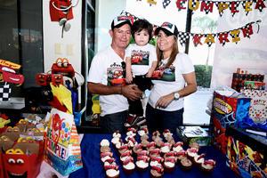 06112016 UN CUMPLE FELIZ.  Axel Karin Sánchez Quiñones en la fiesta que le organizaron sus papás, Óscar y Elizabeth Sánchez, por su cumpleaños.