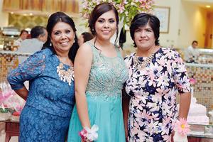 06112016 Las organizadoras con la radiante novia.