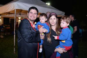 08112016 Ernesto, Óscar, Mayela y Ernesto.