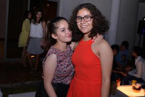 08112016 AMIGAS.  Alessandra y Alejandra.