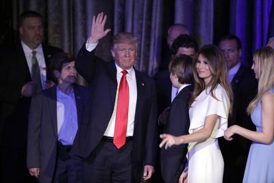 Poco después de la 1:30 de la madrugada de hoy, Trump logró el triunfo en Wisconsin, estado que le dio diez votos electorales para sumar 276 y cruzar así el mínimo necesario de 270 para ser elegido presidente.