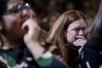 Hillary reconoció la decepción entre sus seguidores y en ella misma, pero dijo que es tiempo de mirar al futuro.