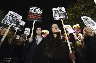 En Londres también se pronunciaron en contra del magnate.