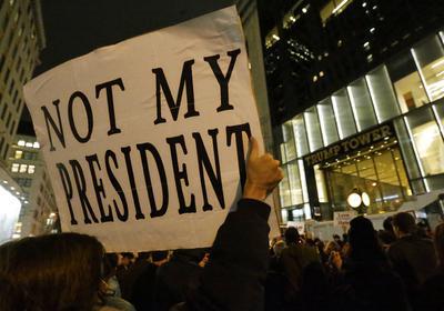 La victoria de Trump en las elecciones ha generado un desconcierto y molestia entre miles de estadounidenses que se rehúsan a reconocerlo como presidente.