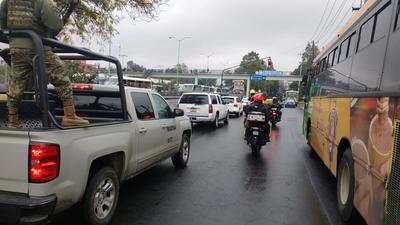 Sin embargo, personal de la PGR y de la Armada de México siguió la camioneta en la que se trasladó al juzgado, en el Reclusorio Oriente.