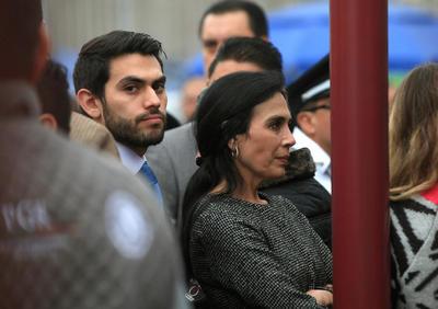La familia de Guillermo Padrés acudió a apoyarlo luego de que reapareciera para enfrentar a la justicia.