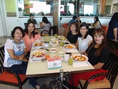 10112016 Alicia, Laurita, Libia, Juanita y Laurita.