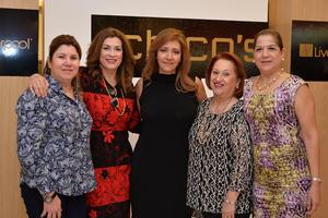 Marisol, Jose, Susy, Tita y Consue