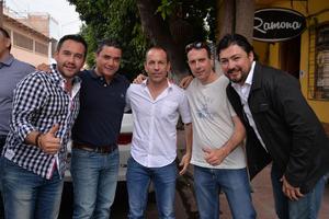 Alex, Alejandro, Toño, Lalo y Enrique
