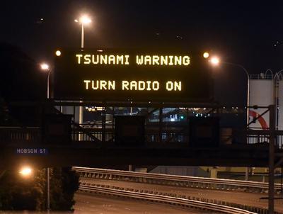 El Centro de Alertas de Tsunami del Pacífico emitió una alerta de tsunami tras el movimiento sísmico.