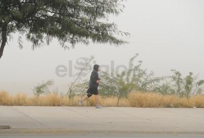 Laguneros no afectaron sus actividades pese a la neblina.