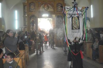 Fueron casi 200 danzas las que recibieron la bendición por parte de los sacerdotes.