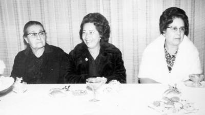 13112016 Consuelo Salas de Enríquez en compañía de sus hijas, Hortencia Enríquez de Martínez y Amparo Enríquez de Casas.