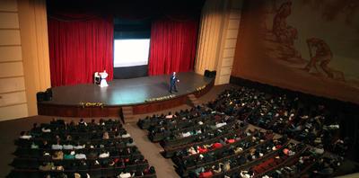 Un numeroso público que se dio cita la tarde de ayer en el Teatro Ricardo Castro.