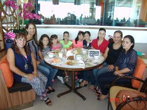 16112016 Mónica, Paty, Daniela, Jackie, Scarlet, Barbie, Mariana, Magda, Marisela y Sharon.