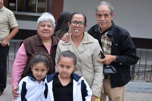 17112016 Rebeca, Daniela, Toño, Dana y Bárbara.