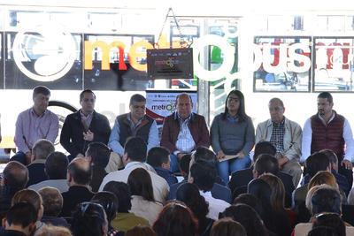 El evento asistieron autoridades estatales y municipales, empresarios, presidentes municipales de la Comarca Lagunera, estudiantes y ciudadanos.