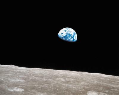 Time incluyó la imagen de Tierra tomada desde la Luna por la NASA.