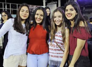 22112016 MUY GUAPAS.  Maggy, Thalía, Astrid y Cristy.