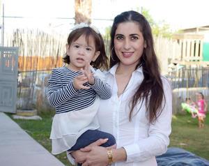 22112016 Cindy y Aurora.