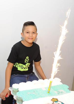 21112016 FELIZ CUMPLEAñOS.  Alex celebró su noveno aniversario.