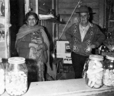 20112016 Santana Hernández y Pascuala Tabares en 1975.