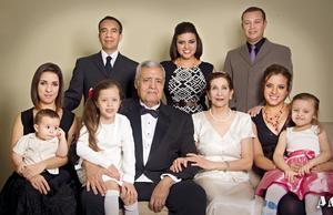 20112016 Familia de la feliz pareja.
