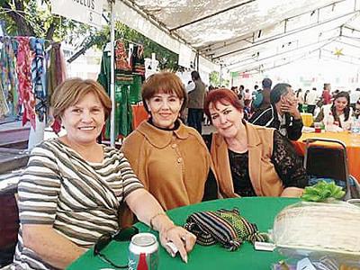 24112016 Elvira, Tere y Bertha.