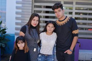 24112016 Pilar, Yazmín, Yolanda y Vicente.